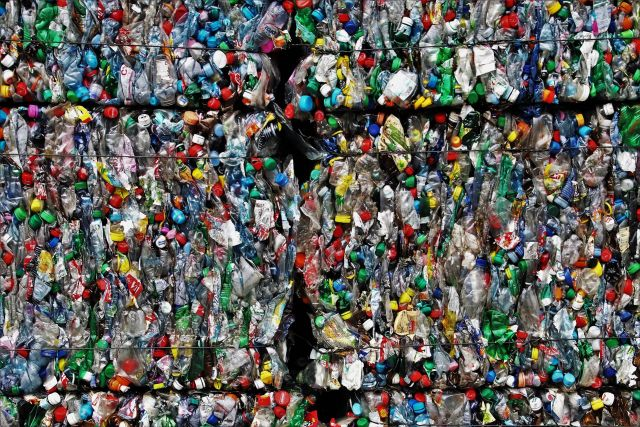 Internacional- Plástico